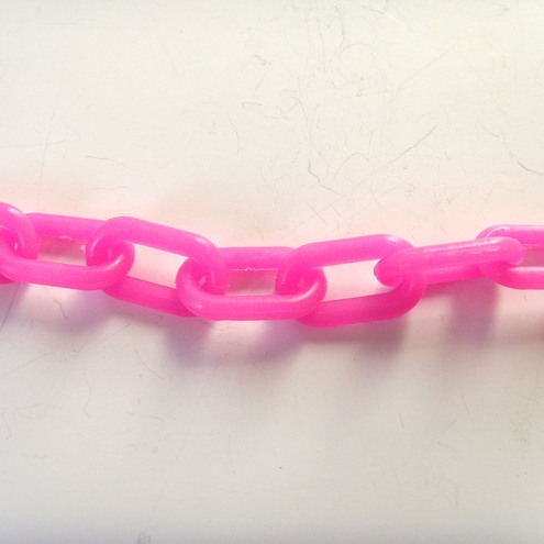 1-1/2-inch Plastic Chain, Pink (per foot)
